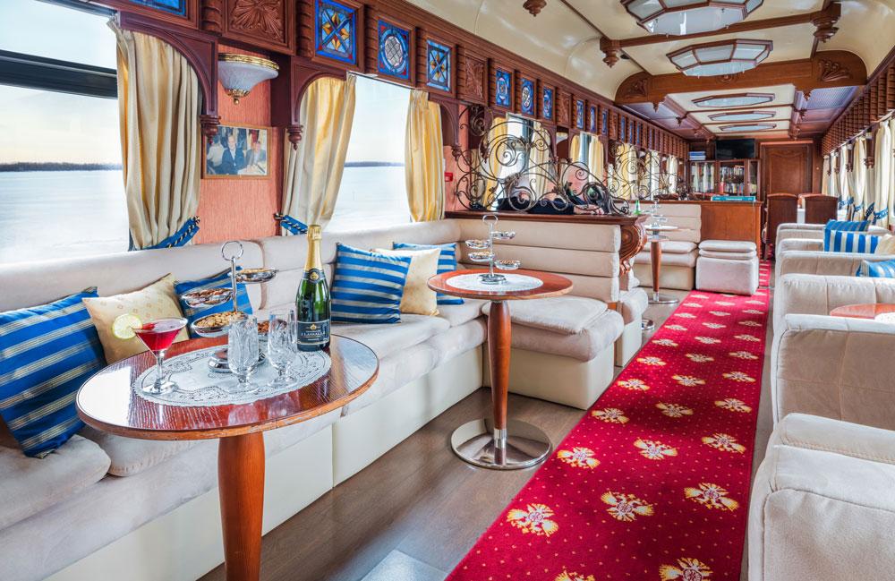 Interior do Trem Transiberiano Golden Eagle